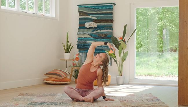Nieuwe les op Yogatv: Soft flow voor de avond