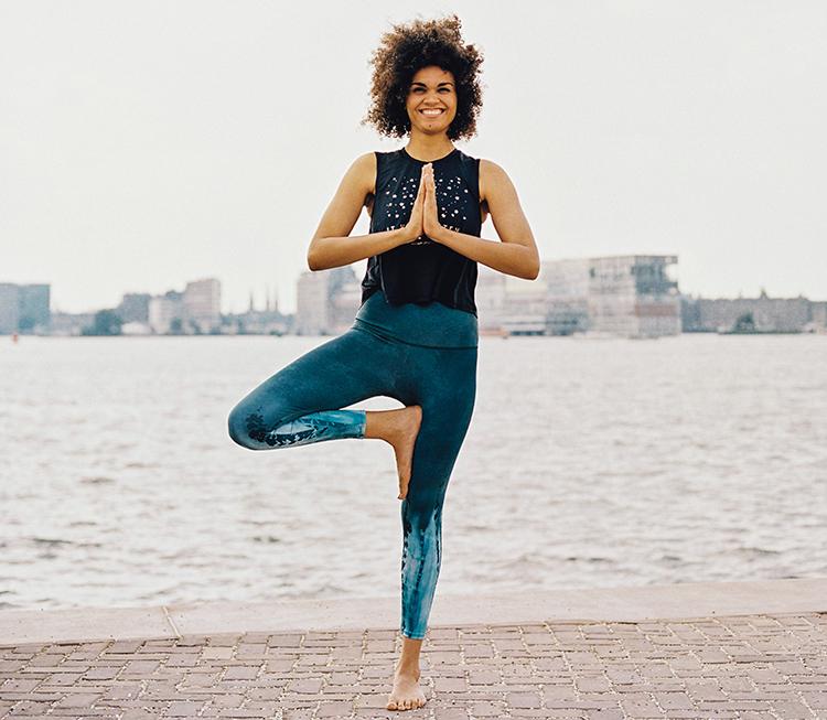 Yoga houdt je jong - Boom