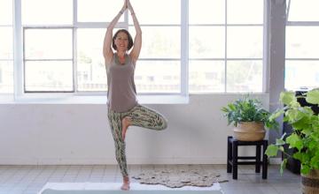 8 Korte yogales door Jeanet