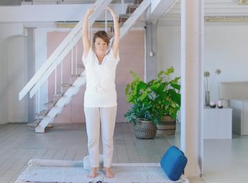 Korte yogales door Diana