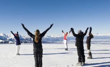 Mindful op de piste: yoga en skiën in Piemonte