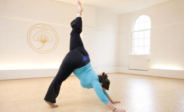 Leer blij te zijn met je lichaam (plus Feel Good-yogaserie)