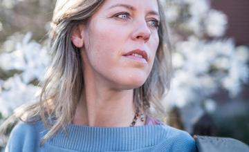 Ilanit de Wilde groeide op in een Osho-commune: 'Mezelf terugvinden voelde als wakker worden'