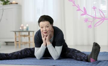 Deze yogadocente (73) is het voorbeeld van hoe je leuk ouder wordt