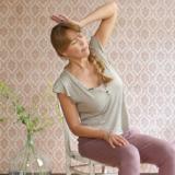 Thuiswerken? Met deze yoga-oefeningen blijf je soepel en vrolijk!