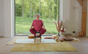 Accessible plus-size yoga met variaties