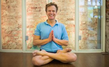 Restorative yoga (staande en zittende oefeningen)