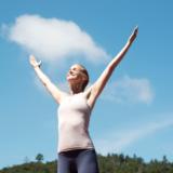 Laat energie stromen: 6 strekkingen voor je meridianen