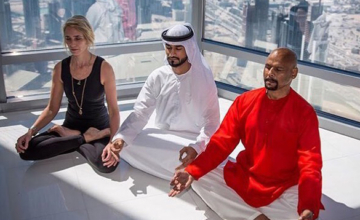 Waarom er ook (of juist!) in Dubai behoefte is aan yoga