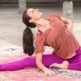 Thuis yoga doen met Nianna